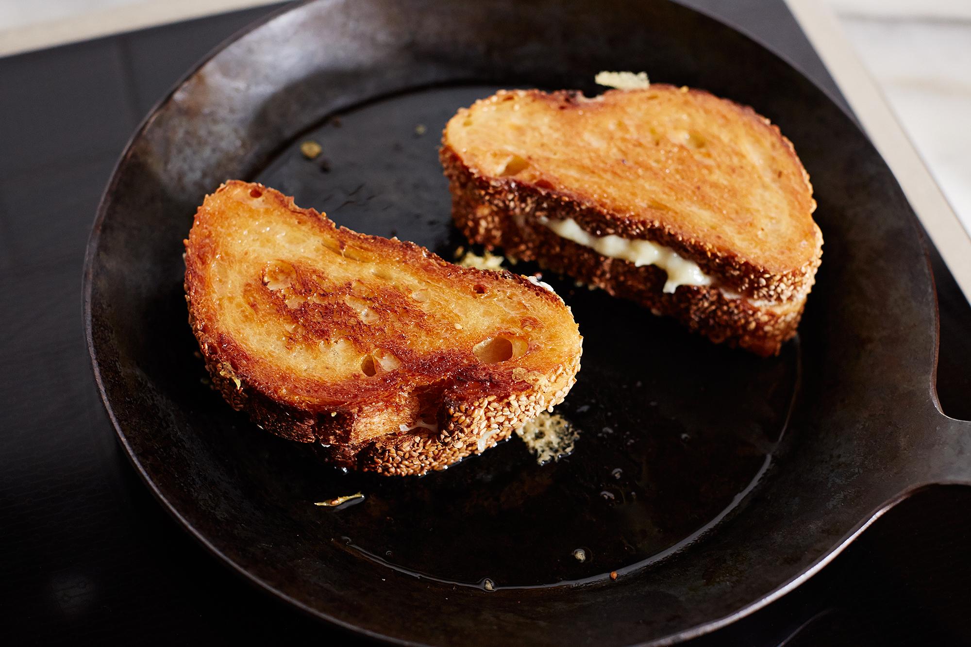 genius-grilled-cheese_food52_mark_weinberg_14-05-13_0488